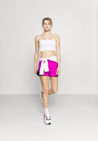 Under Armour - PLAY UP SHORTS 3.0 - Urheilushortsit - meteor pink - 1