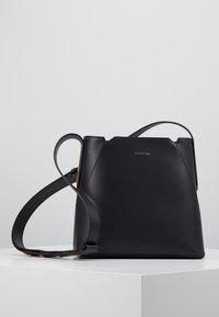 Maison Hēroïne - JOSEPHINE - Across body bag - black - 6