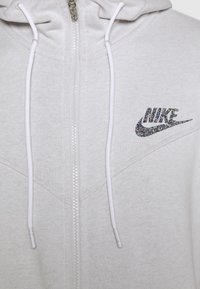 Nike Sportswear - HOODIE - Sudadera con cremallera - pure - 5
