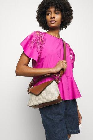 SHOULDER BAG - Handtasche - beige