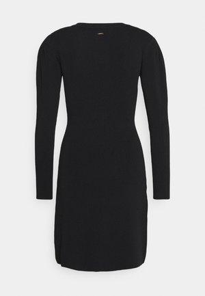RMALA - Robe pull - noir