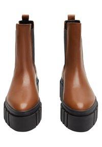 Mango - TRACTOR-I - Ankle boots - średni brązowy - 2