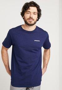 Patagonia - LOGO ORGANIC - T-shirt imprimé - classic navy - 0