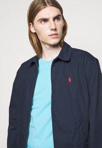 Polo Ralph Lauren - CUSTOM SLIM FIT CREWNECK - Basic T-shirt - french turquoise - 3