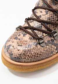 ANGULUS - Lace-up ankle boots - beige - 2