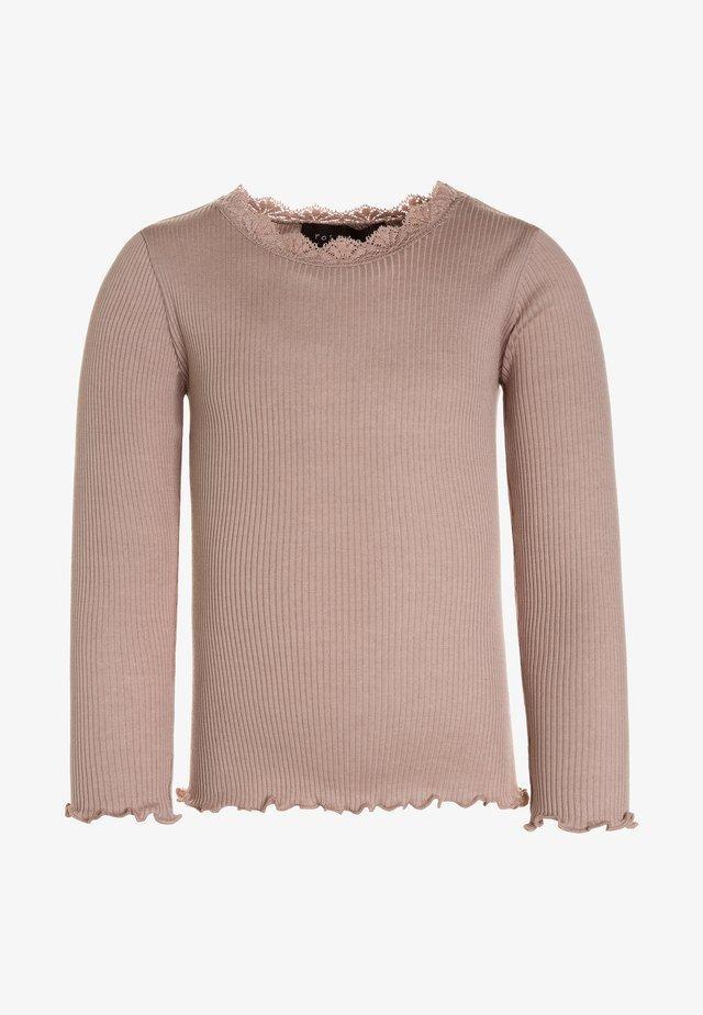 SILK-MIX T-SHIRT REGULAR LS W/LACE - T-shirt à manches longues - vintage powder