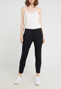 Lauren Ralph Lauren - LYCETTE PANT - Kalhoty - black - 0