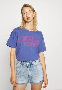 American Eagle - COLOR ON COLOR BRANDED - Print T-shirt - blue - 0