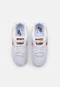 Nike Sportswear - AIR MAX 90 - Joggesko - white - 3