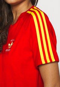 adidas Originals - STRIPES SPORTS INSPIRED REGULAR DRESS - Vestido ligero - red - 5