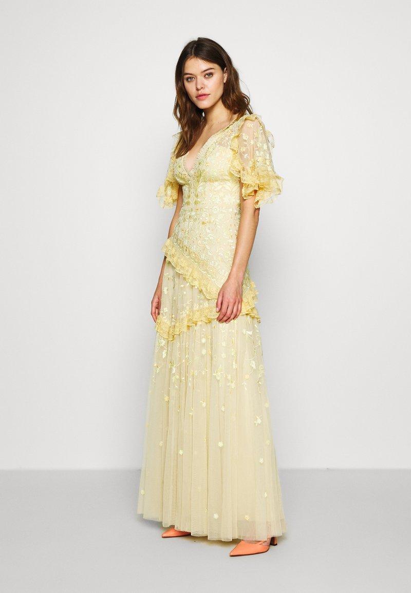 Needle & Thread - EARTH GARDEN GOWN - Společenské šaty - daffodil