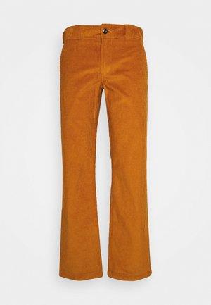 HIGGINSON PANT - Pantalon classique - pumpkin spice
