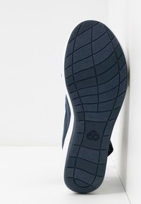 Cloudsteppers by Clarks - STEP CALI COVE - Platform sandals - navy - 6