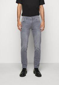 J.LINDEBERG - JAY MIST WASH JEANS - Slim fit jeans - granite - 0