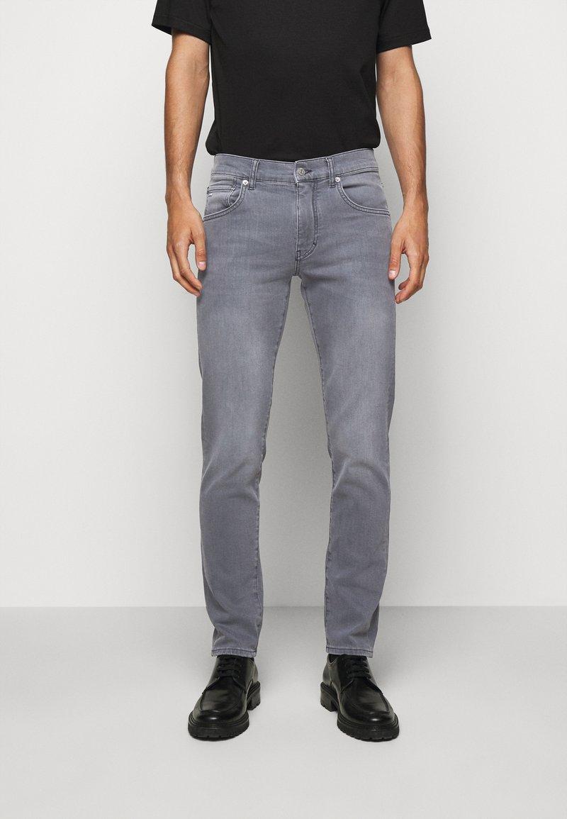 J.LINDEBERG - JAY MIST WASH JEANS - Slim fit jeans - granite