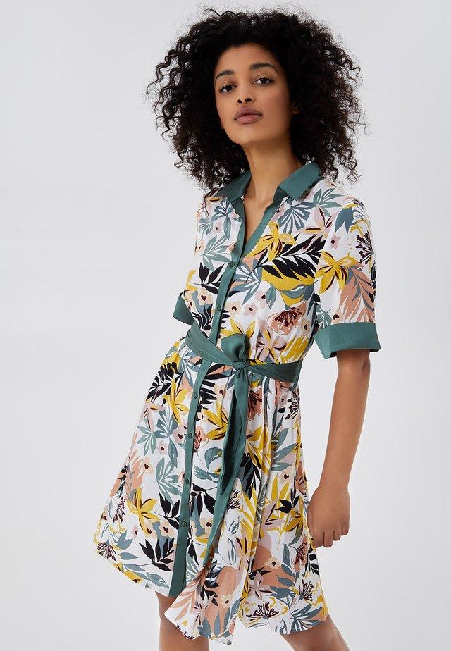 Sukienka koszulowa - tropical green