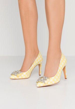 MANIFIKA - High heels - jaune