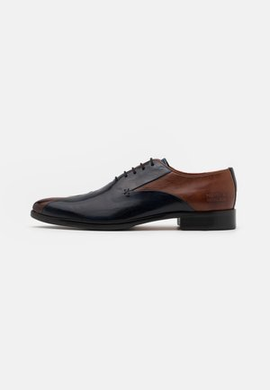 TONI 31 - Lace-ups - wood/navy