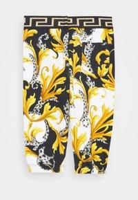 Versace - BOTTOM FELPA - Trousers - bianco/nero/oro - 1