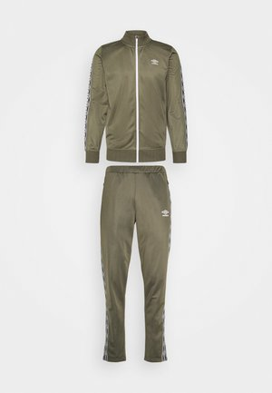 ACTIVE STYLE TAPED TRACKSUIT SET - Chándal - olive night/white