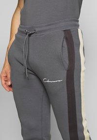 CLOSURE London - BAND STRIPE JOGGER - Tracksuit bottoms - grey - 4