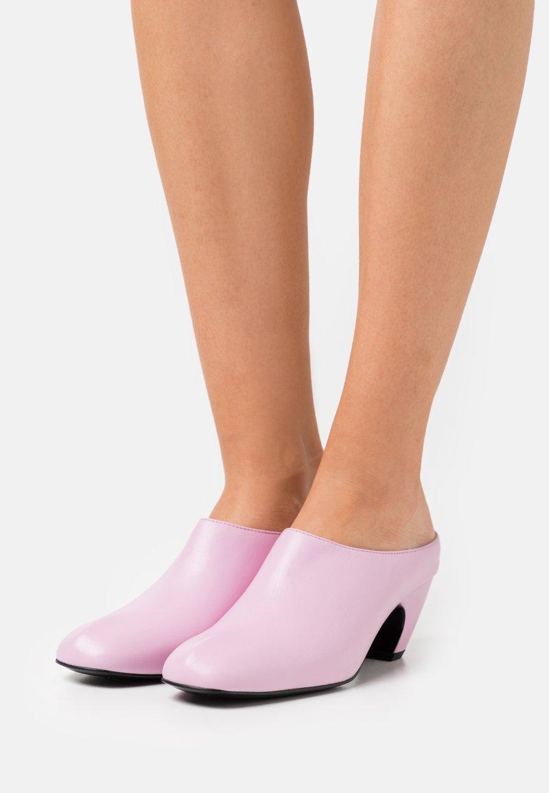 Dorateymur - Heeled mules - pink