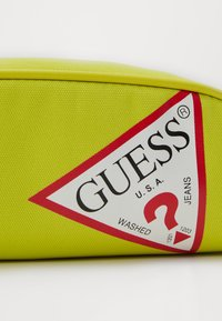 Guess - UNISEX SMALL POUCH - Pencil case - shiny light green - 3