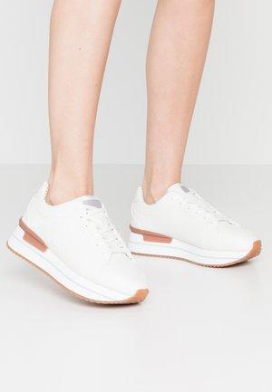RUSPER LOGO - Sneakers basse - white