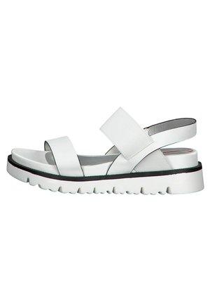 S.OLIVER - Sandalias con plataforma - white