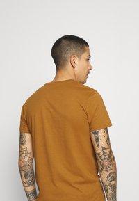 Burton Menswear London - 7 PACK - T-shirt - bas - multi - 9
