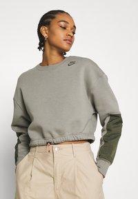 Nike Sportswear - CREW - Sweatshirt - light army/cargo khaki - 3