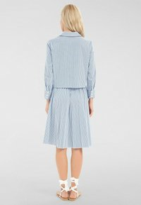Apart - Robe chemise - weiß-blau - 1
