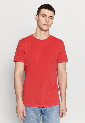TOM - Camiseta básica - barbados cherry
