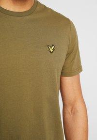 Lyle & Scott - T-shirts basic - lichen green - 5