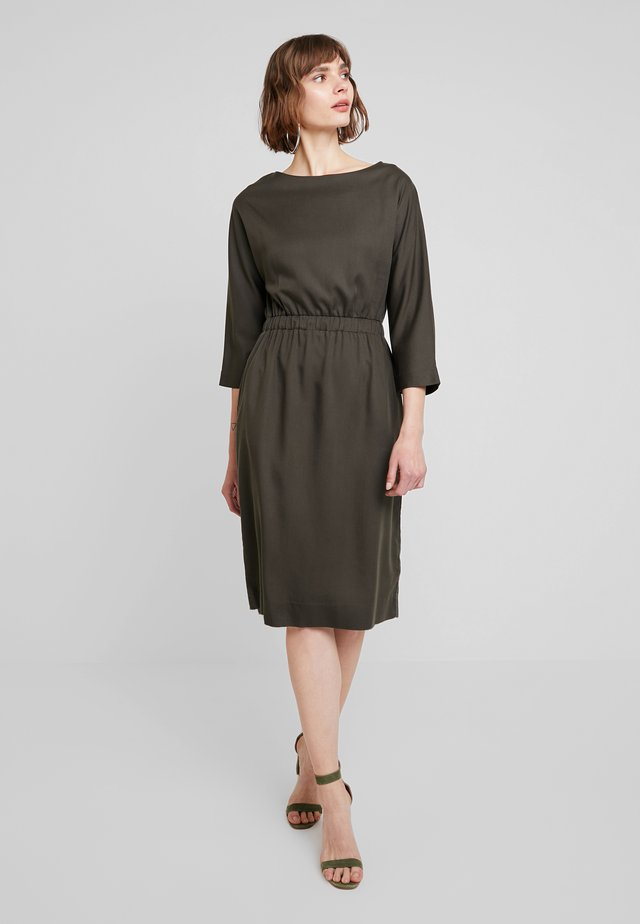 MAJESTA - Day dress - olive drab