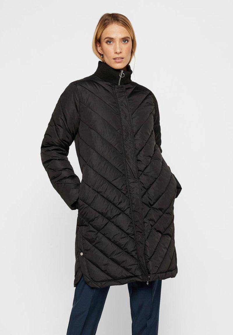 YAS - STEPP - Down coat - black