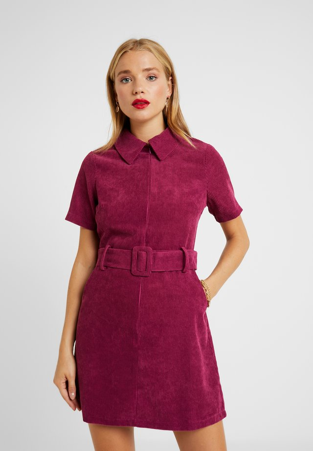 RIO FASHION UNION BELTED MINI DRESS - Day dress - cranberry