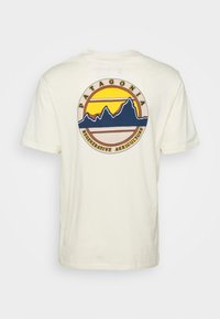 Patagonia - ROAD TO REGENERATIVE POCKET TEE - Print T-shirt - white wash - 1