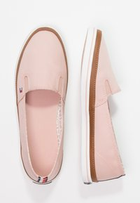 Tommy Hilfiger - ICONIC KESHA SLIP ON - Slippers - rose - 2