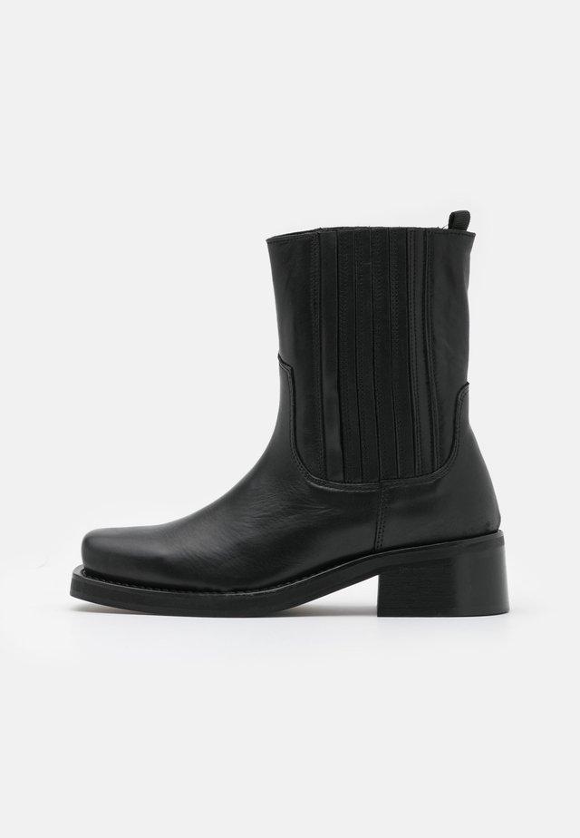 YASBIKRA BOOTS - Stivaletti - black