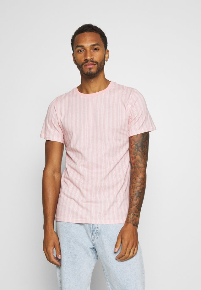 VERTICAL STRIPE - Basic T-shirt - pink/white