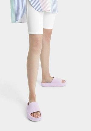 Sandaalit nilkkaremmillä - lilac
