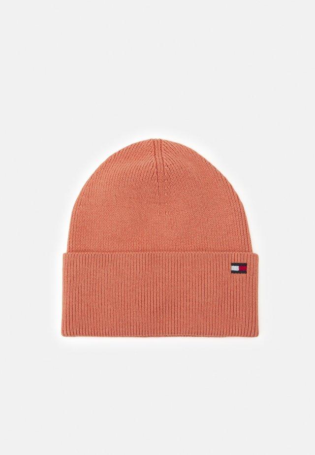 ESSENTIAL BEANIE - Čepice - pink