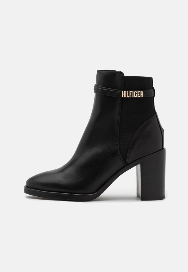 BLOCK BRANDING BOOT - High heeled ankle boots - black