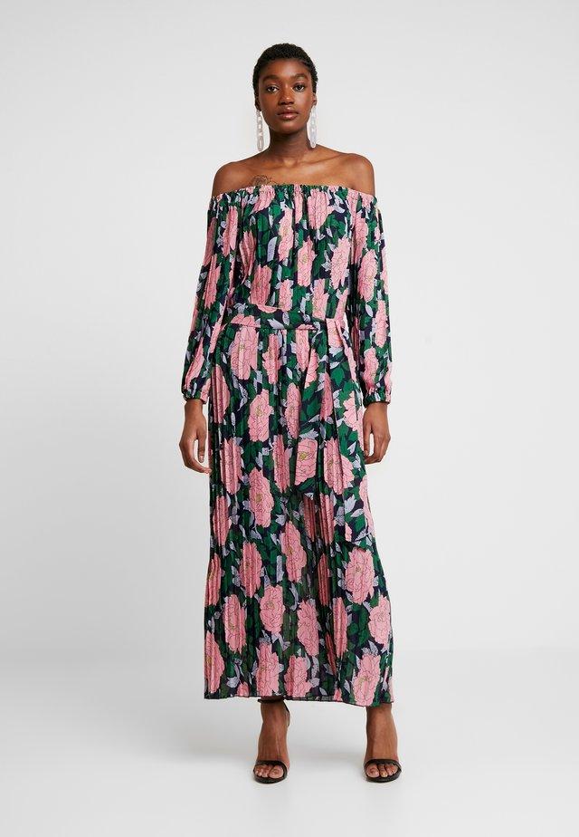 Długa sukienka - pink
