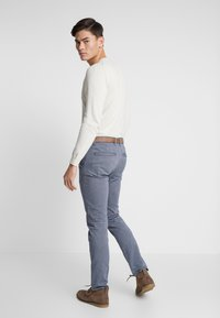 TOM TAILOR DENIM - STRUCTURED - Chinosy - blue - 2