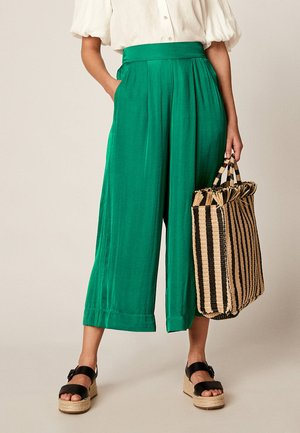 CULOTTE - Trousers - green
