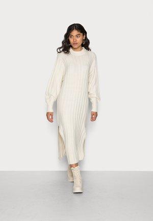 ALICE KNITTED DRESS - Jumper dress - almond milk