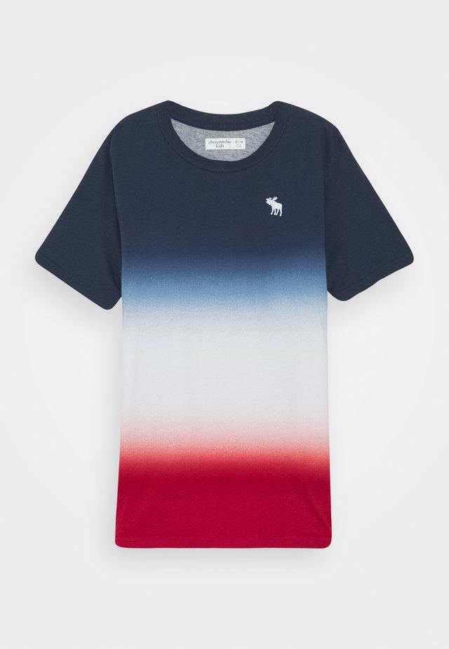 DYE EFFECTS - Print T-shirt - navy/white/red