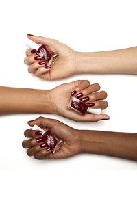 Essie - GEL COUTURE - Nail polish - 350 gala-vanti - 1